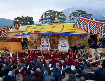В Тибете наступил Новый год. Во время молебна в Дхарамсале. Фото сайта savetibet.ru