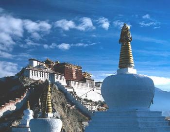 В Тибете не прекращаются акты самосожжения, предпринимаемые монахами. Фото:pda.privet.ru