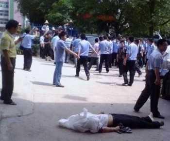 Стресс от экзаменов довёл  китайского школьника до самоубийства. (Photos posted to BBS)