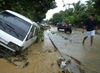 Последствия тайфуна «Нанмадол». Фото с thenews.kz