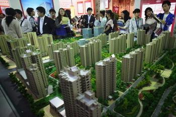 Цены на жилье в Китае за апрель в 100 городах составила 8773 юаня за квадратный метр, что на 0,40% выше, чем в прошлом месяце. Фото:epochtimes.com