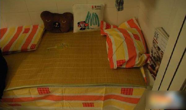 Жизнь в туалете. Фото с tieba.baidu.com
