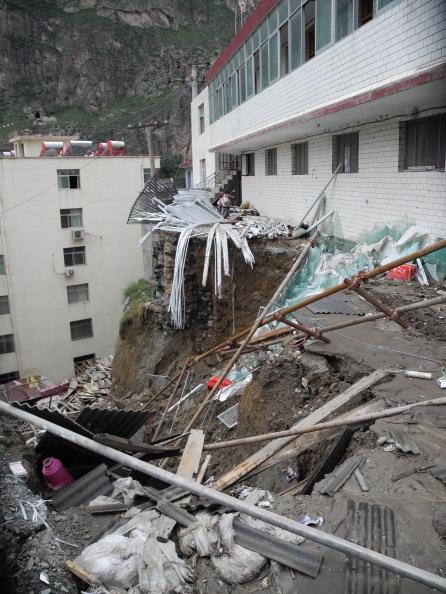 В реультате схода селя пострадал жилой дом. Фото: ChinaFotoPress / Getty Images