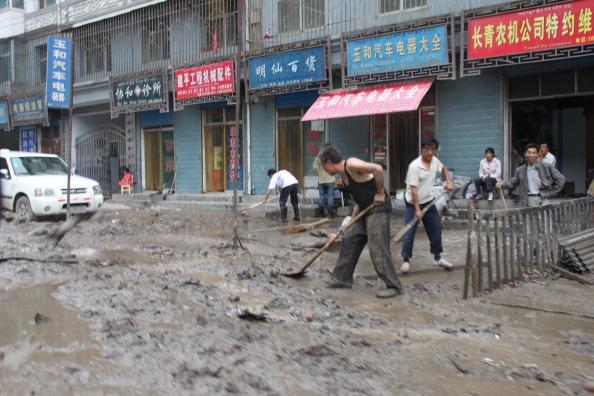 Ливневые дожди вызвали наводнение и сход селя в Ганьнане. Фото: ChinaFotoPress / Getty Images