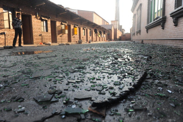 23 августа в городе Фошань провинции Гуандун в Китае произошел пожар в здании общежития завода керамики. Фото: ChinaFotoPress / Getty Images