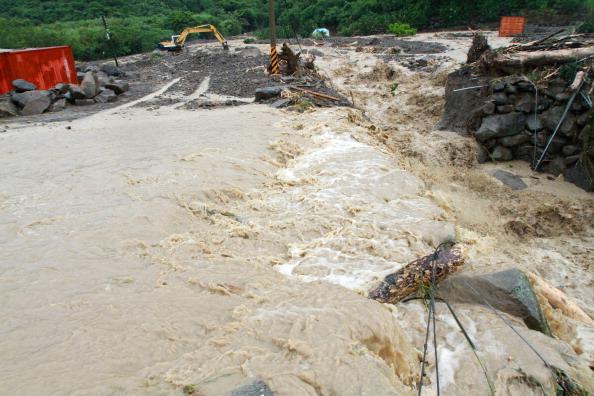 Тайфун «Нанмадол» перекинулся с острова Тайвань на юг восточного побережья Китая. Фото: ChinaFotoPress / Getty Images