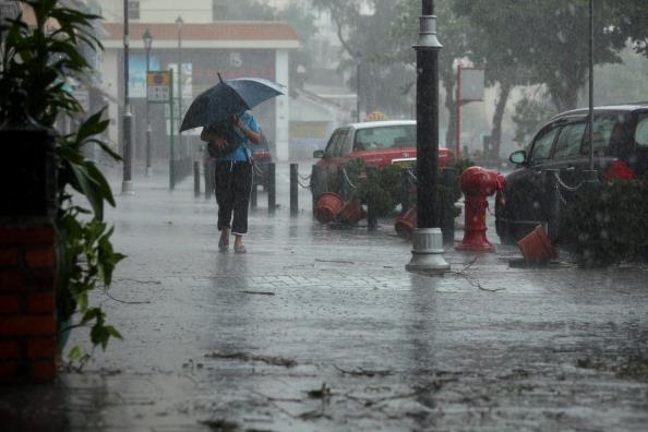 Тайфун Nesat бушует на Хайнане. Фото: Ed Jones/AFP/Getty Images