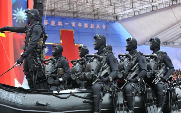 В Тайване отметили столетие Синьхайской революции. Фото:Patrick Lin / AFP / Getty Images