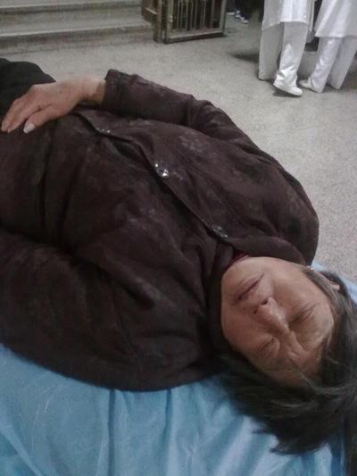74-летней матери Иня сломали ребро. Фото предоставлено пострадавшими