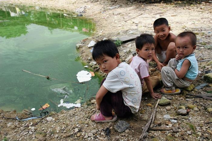 В Китае около 60 миллионов крестьянских детей растут без родителей. Фото: China Photos/Getty Images