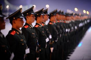 Правительство Китая выделяет на поддержание внутренней стабильности больше средств, чем на армию. Фото: AFP