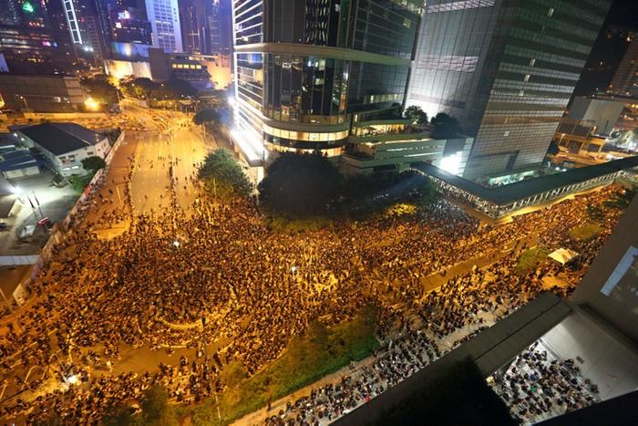 Жители Гонконга протестуют против внедрения в учебную программу коммунистических курсов «промывания мозгов». Сентябрь 2012 год. Фото: The Epoch Times