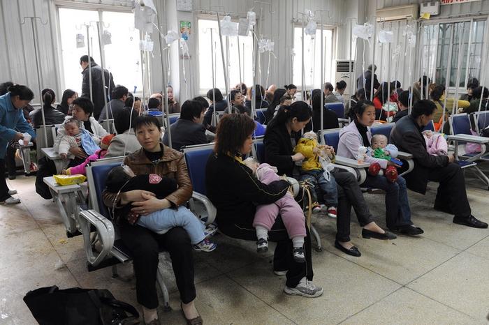 В Китае дети принимают антибиотики гораздо чаще, чем взрослые. Фото: AFP