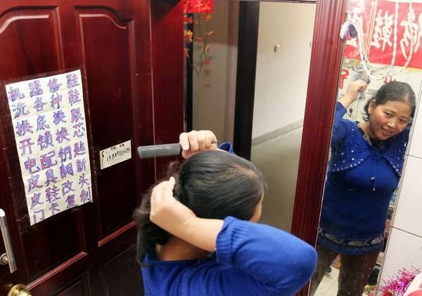 Китайская семья уже шесть лет живёт в туалете. Фото с kanzhongguo.com