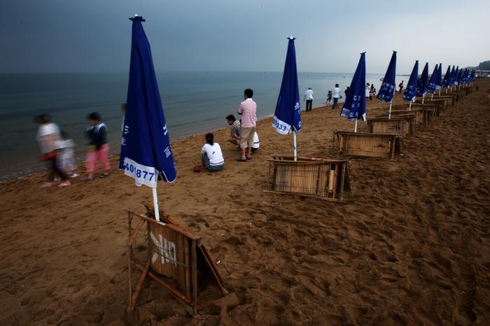 Бэйдайхэ — общественный пляж и место тайных собраний партийной элиты. Фото: Getty Images