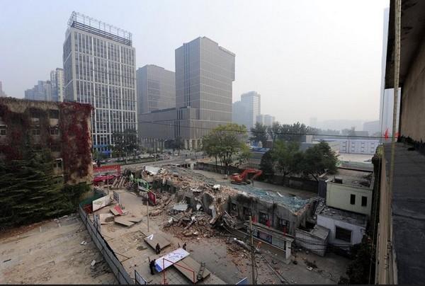 Руины здания культурного «Парка новаторских идей». Октябрь 2011 год. Фото с kanzhongguo.com