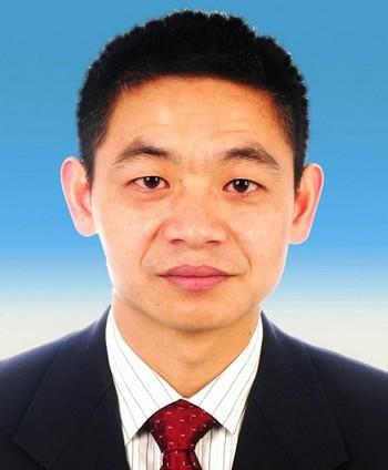 Пекинский адвокат Ли Сюнбин, один из немногих, кто осмеливается брать дела связанные с последователями неофициально запрещённой коммунистическим режимом практики Фалуньгун. Фото предоставлено Ли Сюнбином