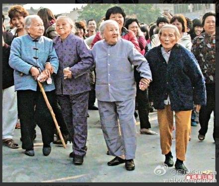 Во время протестов против строительства угольной электростанции. Посёлок Хаймэнь провинция Гуандун. Декабрь 2011 год. Фото с epochtimes.com