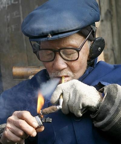 В Китае больше миллиарда активных и пассивных курильщиков. Фото: Getty Images