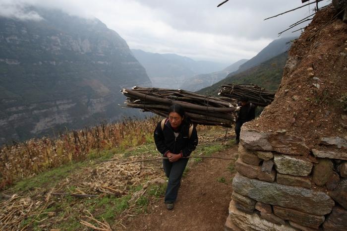 Китайские чиновники разворовывают деньги, выделенные на помощь бедным. Фото: Getty Images