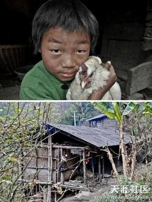 Фэн Гуйлун и его дом. Фото: Сяоян Кэай