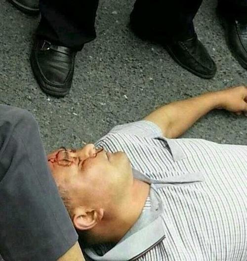 В Китае протест крестьян против коррупции закончился стычками с полицией. Город Фуянь провинции Чжэцзян. Июнь 2013 года. Фото с epochtimes.com
