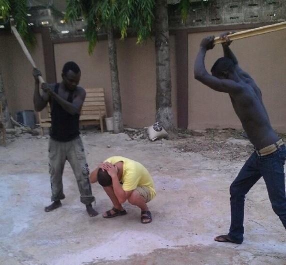 Зачистка китайских нелегалов в Гане. Июнь 2013 года. Фото с molihua.org