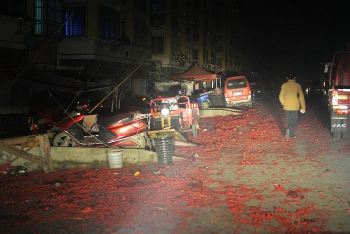 Город Люань. После массового сжигания пиротехники. 9 февраля 2013 года. Фото с epochtimes.com