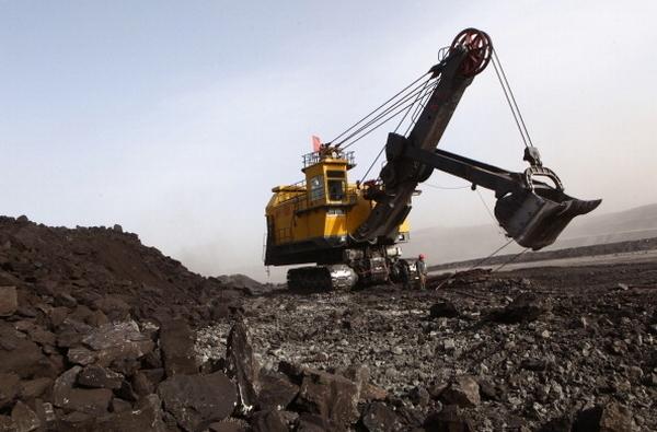 Масштабные угольные разработки уничтожают экологию Внутренней Монголии. Фото: AFP
