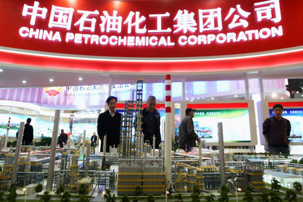 Крупные нефтехимические китайские корпорации препятствуют улучшению экологии страны. Фото: Photo by Feng Li/Getty Images