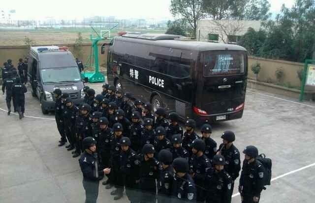 Протесты в посёлке Маюй провинции Чжэцзян. Февраль 2013 года. Фото с epochtimes.com