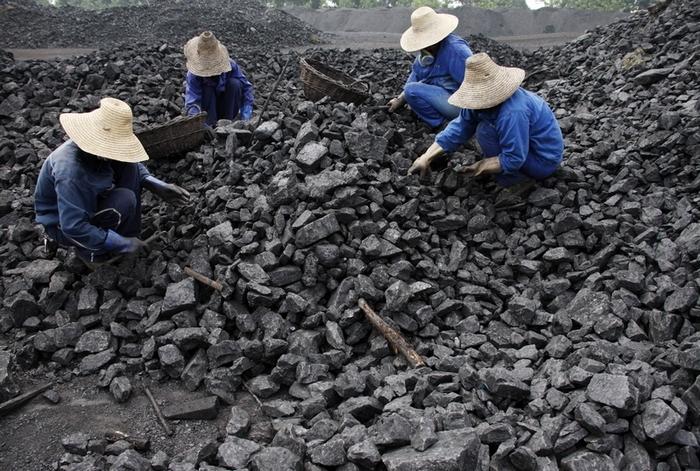 Угольная промышленность Китая несёт убытки. Фото: STR/AFP/Getty Images