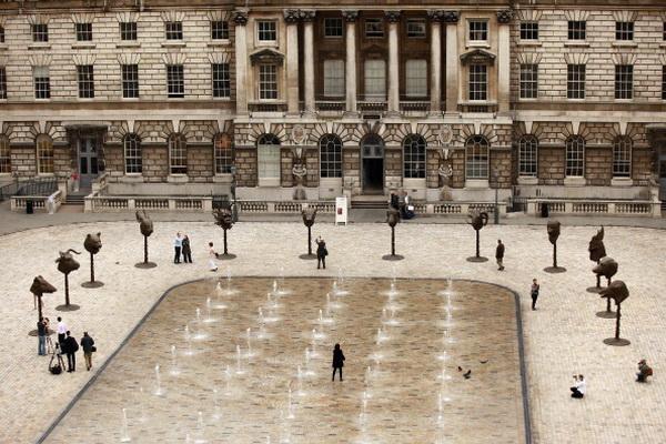 Фоторепортаж с выставки скульптур 12 животных китайского художника Ай Вэйвэя в Лондоне, Англии. Фото: Oli Scarff/Getty Images