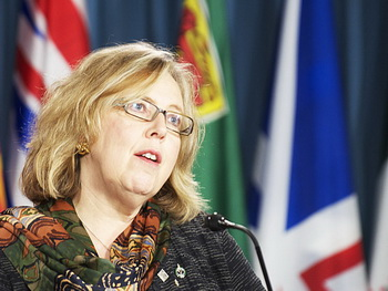Канадский лидер «Партии зелёных» Элизабет Мэй сообщила журналистам в четверг, что инвестиции Китая в Канаду приведут к подрыву Канадского суверенитета. Фото: Мэтью Литтл/Великая Эпоха