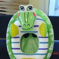 Плавательный круг – крокодил. Производитель товара: Китай для Sterling Trading Company LLC, 5909SW Southiew Place, Portland, OR 97219 USA. Фото с сайта ptac.gov.lv