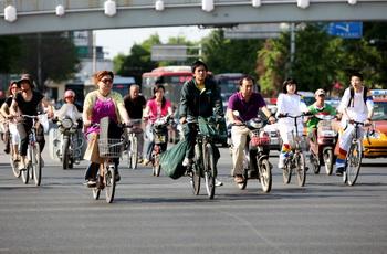 В 2011 году численность городского населения материкового Китая составила более половины общей численности населения. (AFP)