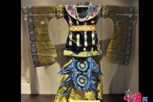 Одеяние династии Тан (618 – 907 гг.). Фото: news.zhengjian.org