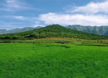 Погребальный комплекс «Первого Императора вечной династии Цинь» Цинь Шихуана, расположенный у подножия горы Лишань, более чем в 20 км от города Сиань провинции Шэньси. Фото: kanzhongguo.com