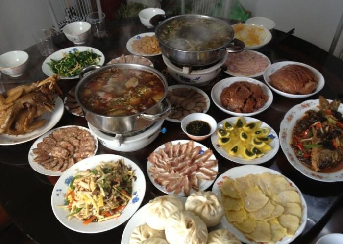 Разнообразие блюд в канун китайского Нового года. Фото с epochtimes.com
