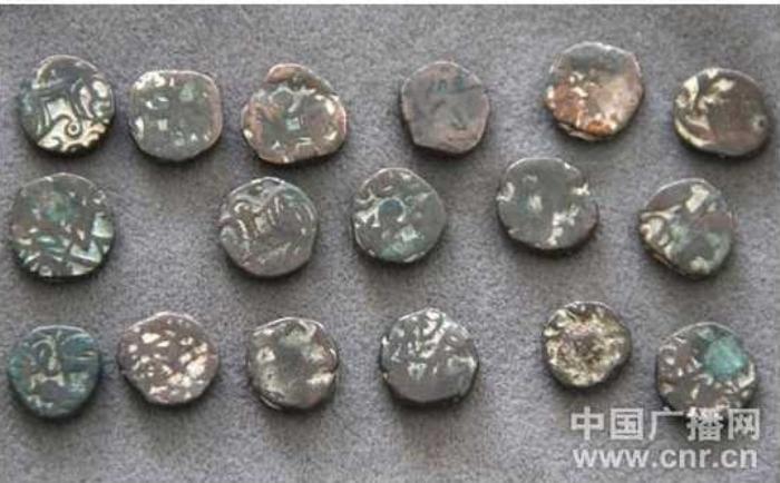 На северном отрезке Великого шёлкового пути археологи нашли 17 старинных монет. Фото: epochtimes.com