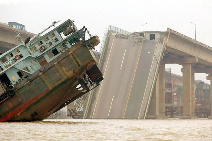 Рухнувшие мосты в Китае. Фото: epochtimes.com