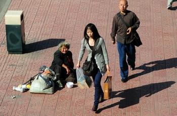 Разница доходов китайских семей составляет несколько сот раз. Фото: FREDERIC J. BROWN/AFP/Getty Images