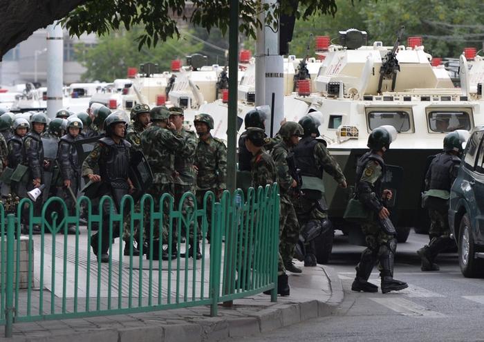 В Синьцзяне обстановка продолжает оставаться напряжённой. Фото: MARK RALSTON/AFP/Getty Images
