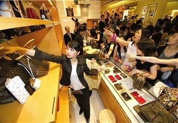 Китайцы самые материалистичные в мире. Фото с epochtimes.com