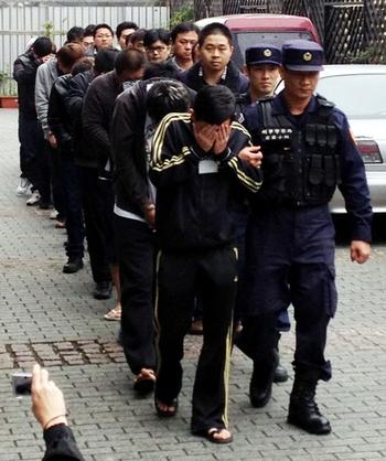 Мошенники в Китае зарабатывают десятки миллиардов долларов в год. Фото: ЦАН