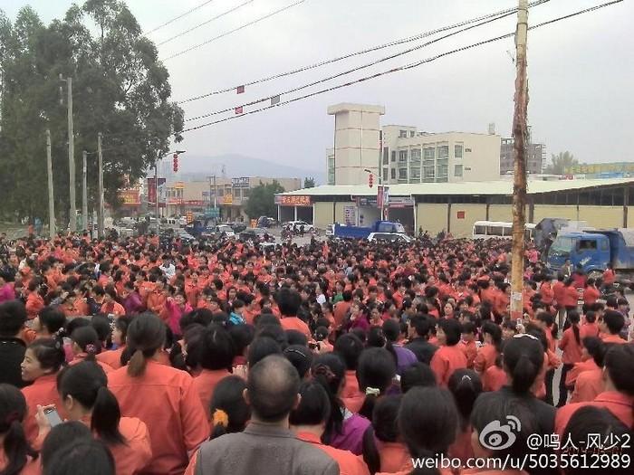 Забастовка рабочих. Город Хэюань провинции Гуандун. Март 2014 года. Фото с epochtimes.com
