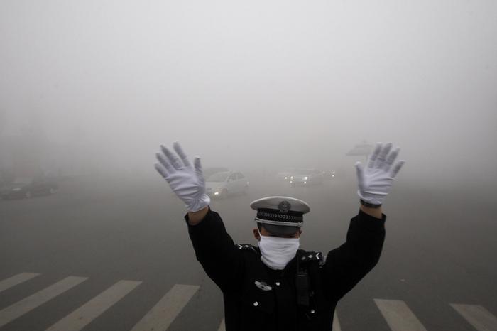 Загрязнение воздуха в Китае достигло кризисной степени. Фото: Getty Images