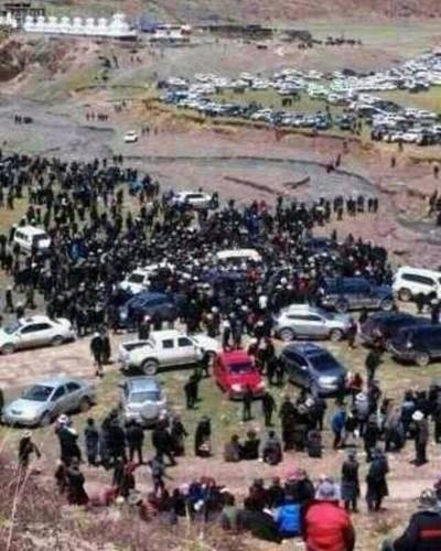Протесты тибетцев против уничтожения властями экологии их региона. Провинция Цинхай. Август 2013 года. Фото: Voice of Tibet Foundation