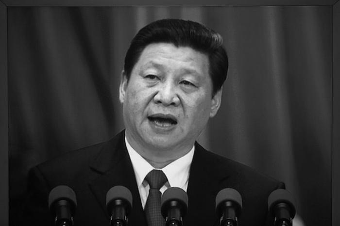Лидер Китая Си Цзиньпин выступает на заключительном заседании Всекитайского собрания народных представителей (ВСНП) в Большом зале народных собраний 17 марта 2013 года, Пекин, Китай. 19 августа 2013 года Си призвал членов компартии «обнажить мечи» в борьбе за общественное мнение. Фото: Feng Li/Getty Images