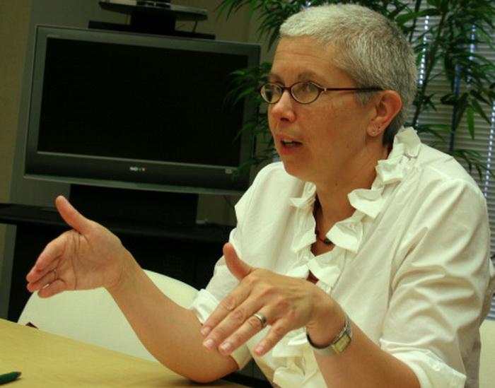 Софи Ричардсон, директор китайского отделения Human Rights Watch (HRW), описала препятствия, с которыми сталкиваются маленькие инвалиды в Китае, 15 июля, офис HRW, Вашингтон, США. Фото: Gary Feuerberg/The Epoch Times